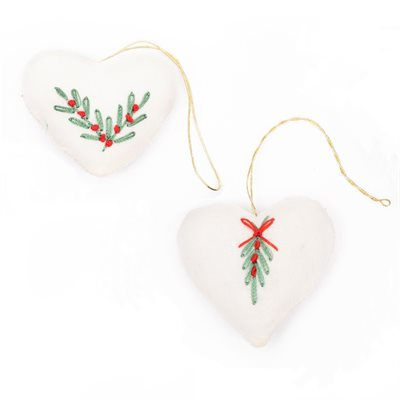 Embroidered Heart SM white/pkg of 2 Bangladesh